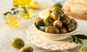 Aceitunas rellenas de queso y limón