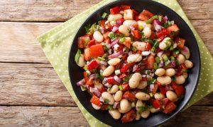 Receta saludable de ensalada de alubias